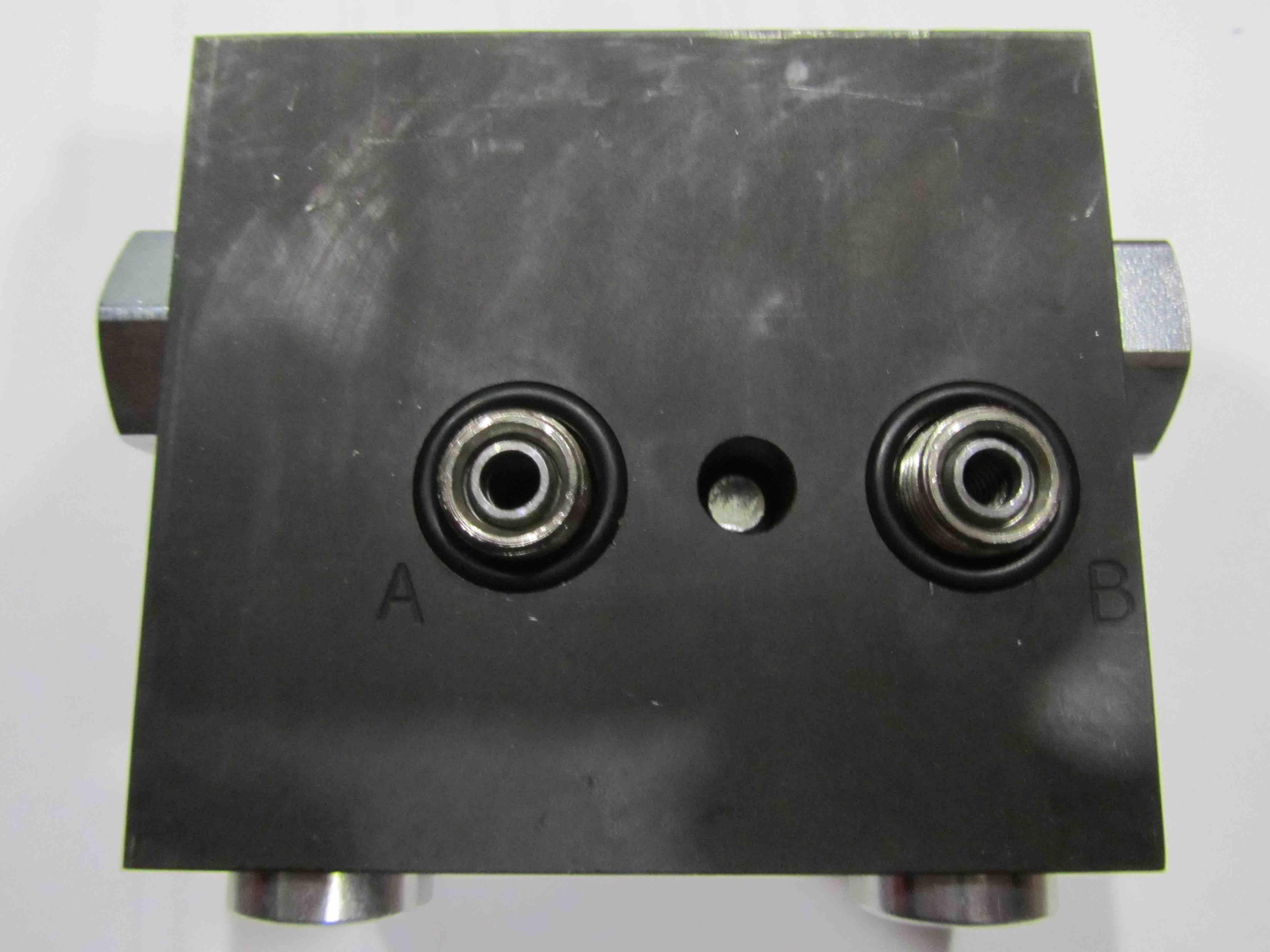 W.775:ES:040 Control Block